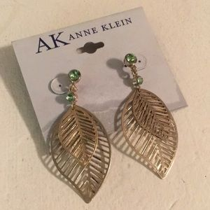 NEW Anne Klein Gold Leaf Earrings w/ Green Stone